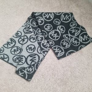 MK Michael Kors scarf